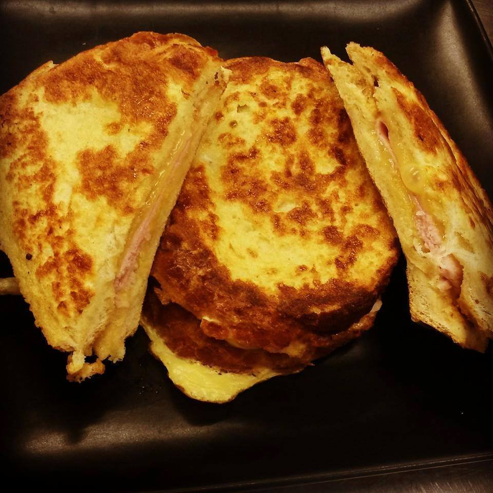 AMERICAN GRILLED CHEESE AND HAM