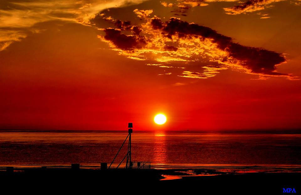 SUNRISE AT MABLETHORPE BEACH