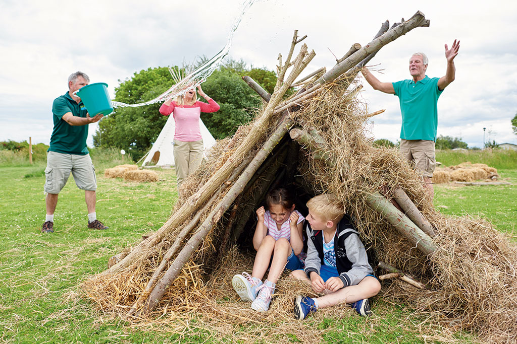 DEN BUILDING AT GOLDEN SANDS HOLIDAY PARK